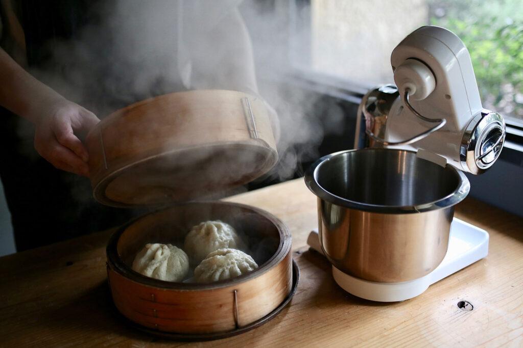 ボッシュ コンパクトキッチンマシンで作る肉まん(蒸し上がり)